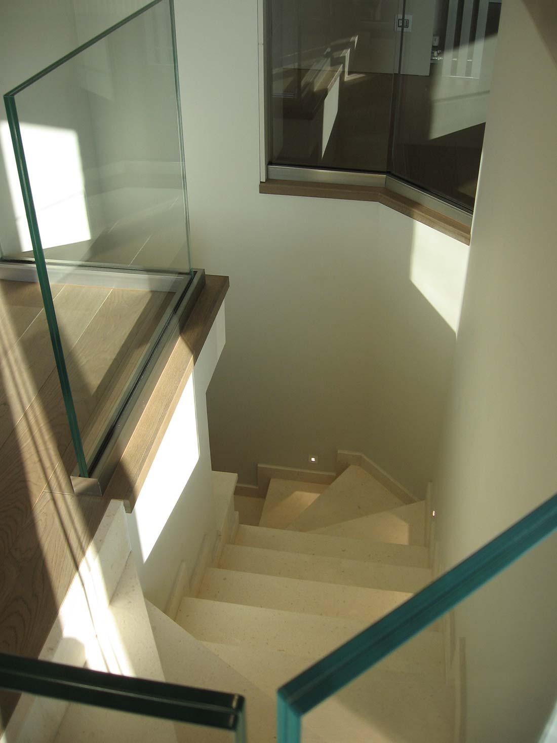 Architettura e interior design multipiano monza cardin for Architettura e design milano