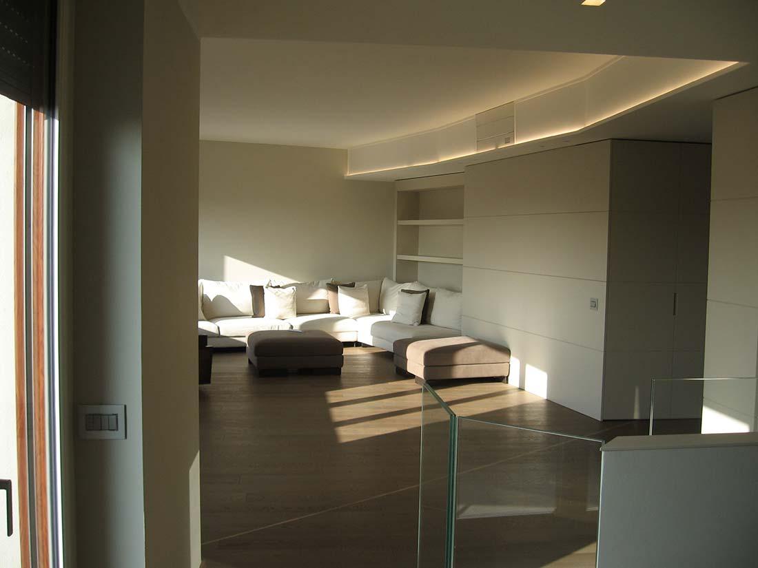 Appartamento su due piani for Design di interni milano