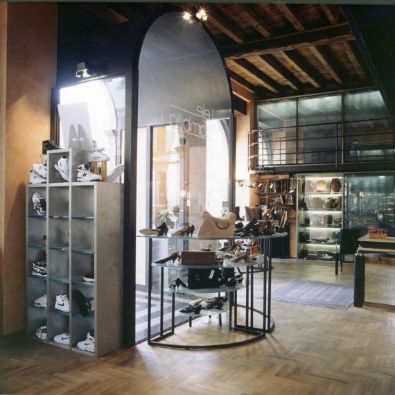 Negozio di calzature interior design 4